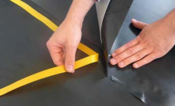 Kročejová izolace pod parkety