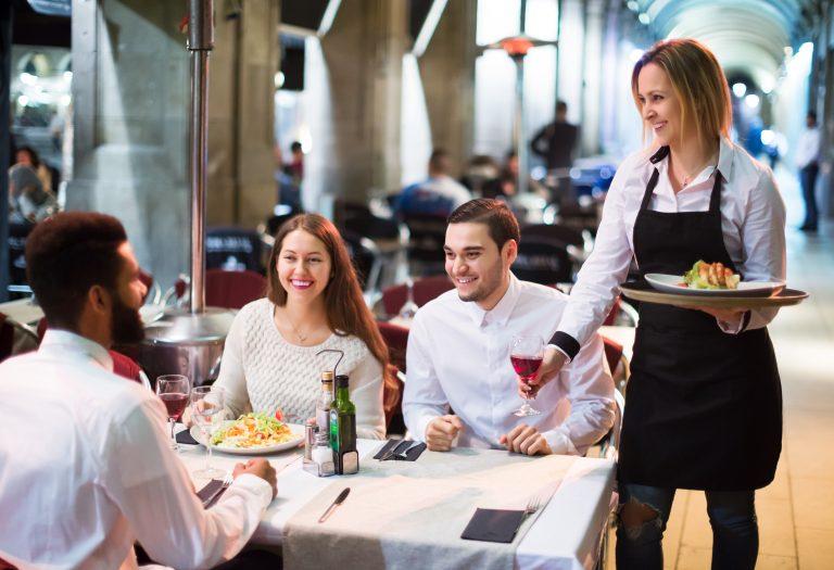 odhlučnění restaurace