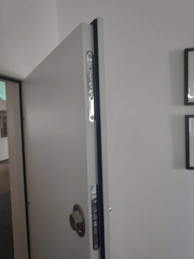 Akustické dveře